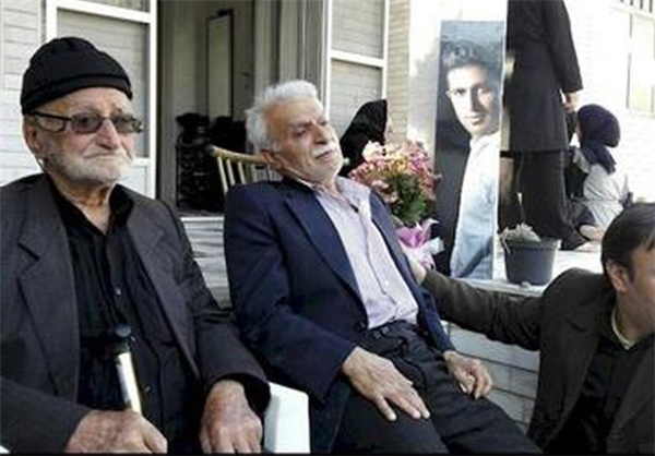 حضور فوتبالی ها در منزل پدری اولادی +عکس