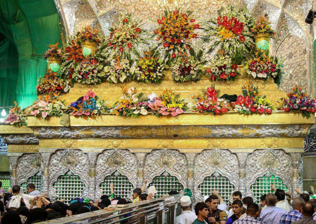 عکس/ تزئین ضریح سیدالشهدا (ع) برای شب میلاد