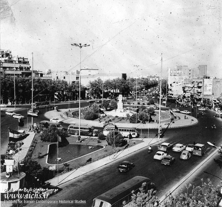 عکس/ میدان انقلاب در دهه 40
