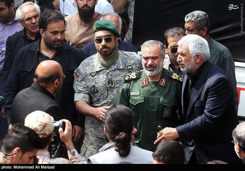 عکس/ فرمانده نیروی دریایی سپاه در تشییع سردار ناظری