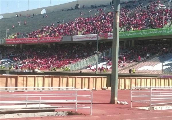 سرود قهرمانی و ترافیک سنگین در اطراف ورزشگاه +عکس