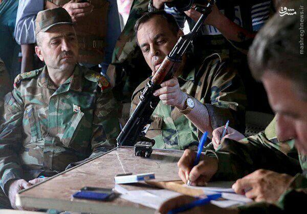 تسلیم 28 تروریست به ارتش سوریه+عکس
