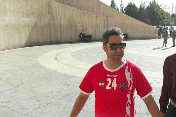 عکس/ میناوند با لباس هادی نوروزی در ورزشگاه
