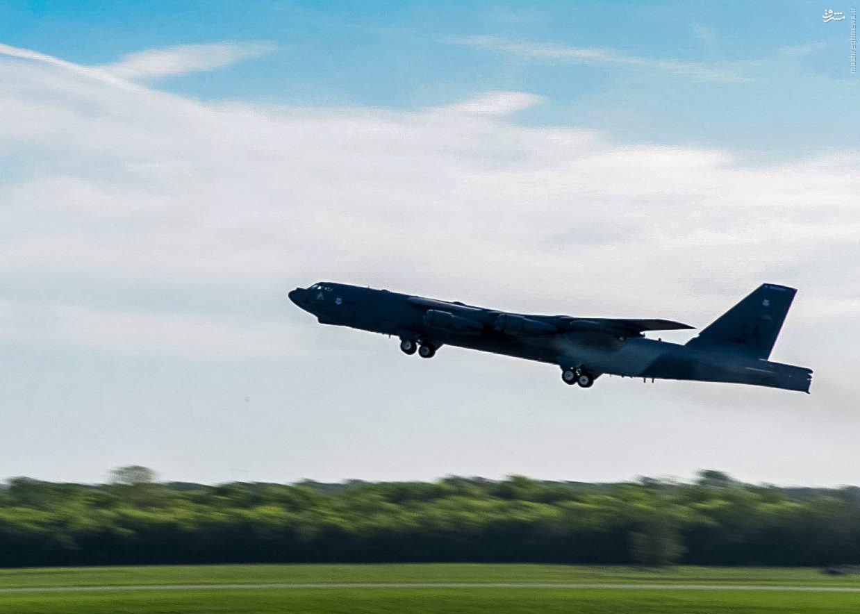 بمب افکن بی 52 آمریکا در راه عراق+عکس