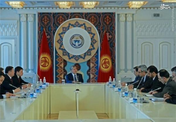 دیدار آخوندی با رئیس جمهور قرقیزستان +عکس