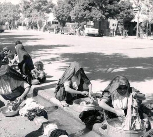 عکس/رختشویی زنان در تهران