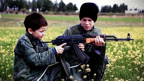 رونمایی داعش از بچه جلادهای فرانسوی+عکس
