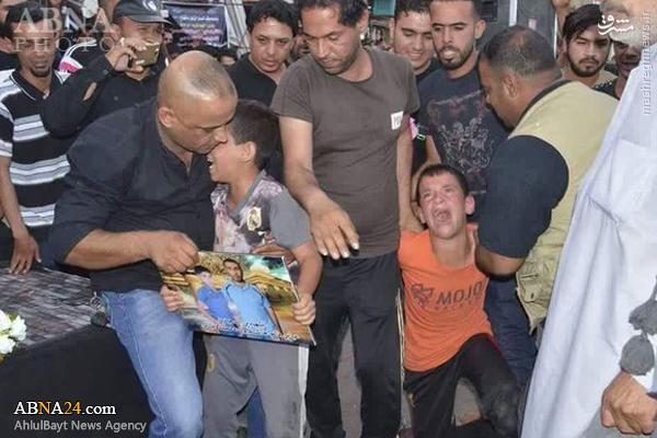 عکس/ واکنش تکان دهنده دو کودک عراقی عراقی به خبر شهادت والدینشان
