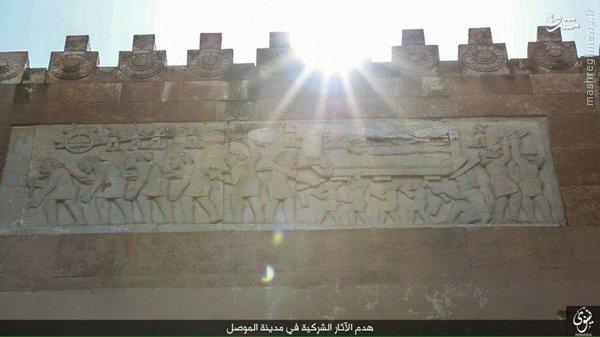 تخریب قلعه باستانی