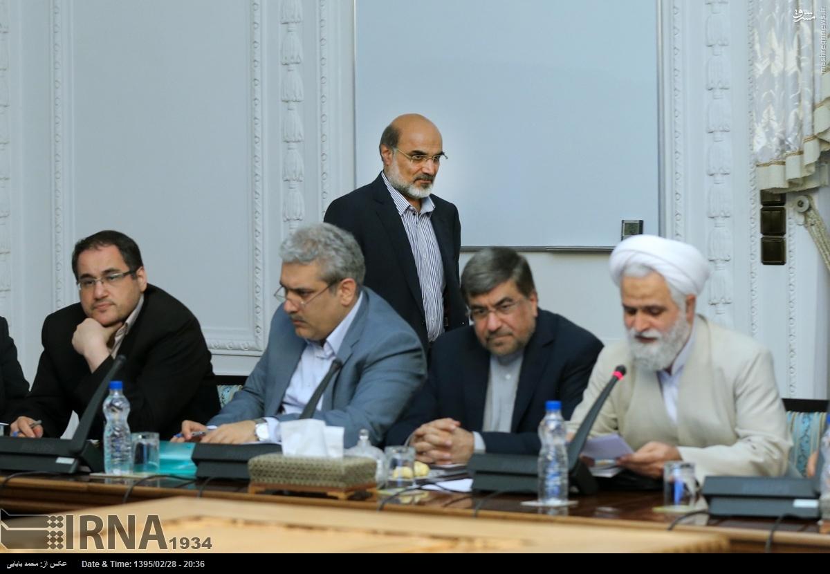 عکس/ رئیس جدید صداوسیما در شورای انقلاب فرهنگی