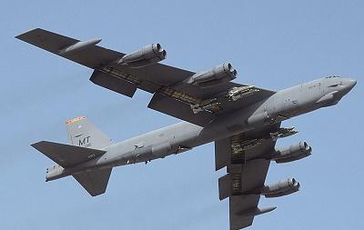 سقوط بی -52 امریکا در گوآم