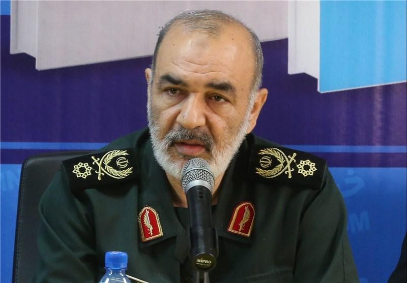 سردار سلامی: تمرکز 20 ساله دشمن را بهم زدیم