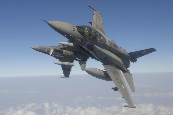 جنگندههای چینی مانعی برای هواپیماهای جاسوس آمریکایی