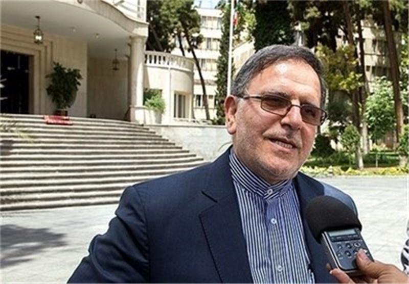 سایت حامی دولت:روحانی تکلیف سیف را یکسره کند!