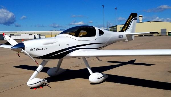 ساخت هواپیمایی تمام الکتریکی که شاید صنعت هوایی را دگرگون کند