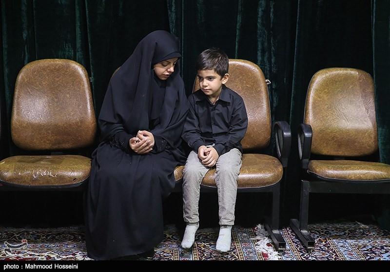 مادر شهید مدافع حرم: پیکر فرزندم گوشت و پوست ندارد ولی باز میخندد