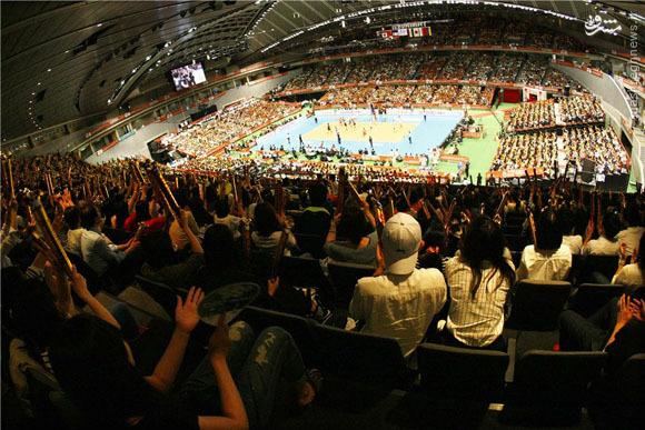 عکس/ استقبال شدید از دیدار والیبال ایران و ژاپن