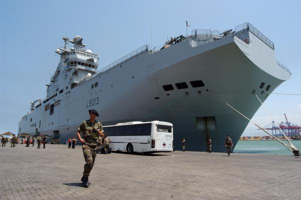فرانسه اولین ناو بالگردبر را به مصر تحویل داد