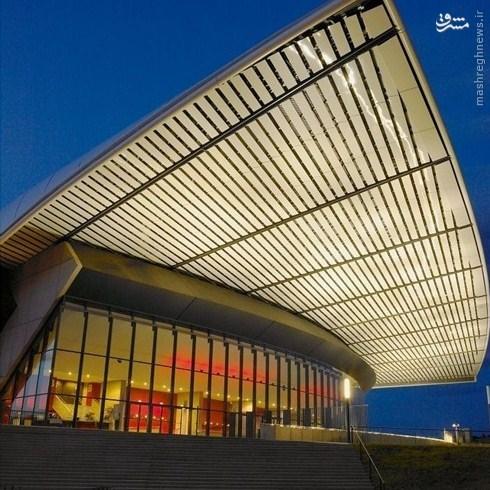 سن-اتین : ورزشگاه جئوفروی گیشارد، ظرفیت: ۴۱٬۹۶۵