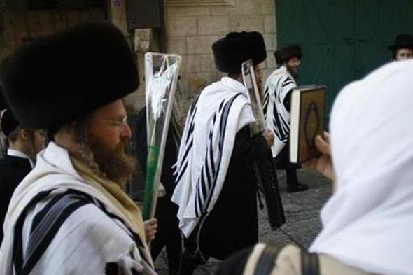 یورش صهیونیستها به آرامگاه حضرت یوسف(ع) در نابلس