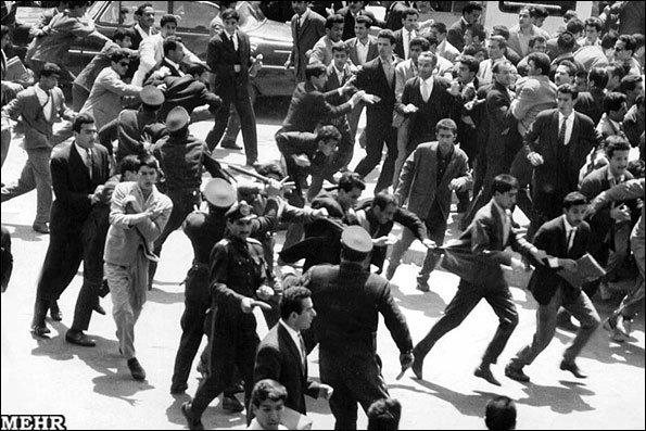 قیامی که برای همیشه تاریخ جاودانه شد +تصاویر