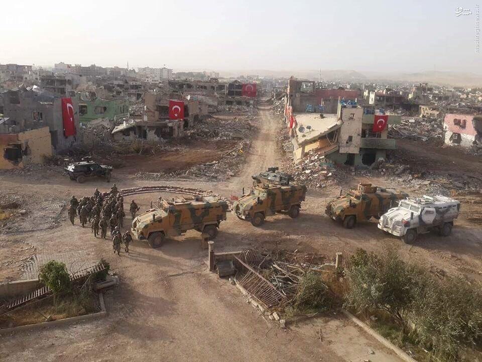 برافراشته شدن پرچم ترکیه بر ویرانه های شهرکردنشین+عکس