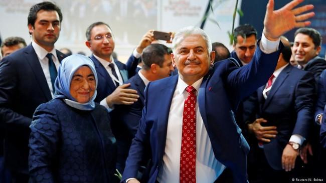 نخست وزیر جدید ترکیه و همسرش +عکس