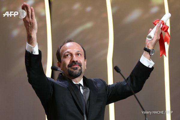 شهابحسینی برنده نخل طلا بهترین بازیگر مرد شد/ جایزه بهترین فیلمنامه سهم اصغر فرهادی شد +عکس