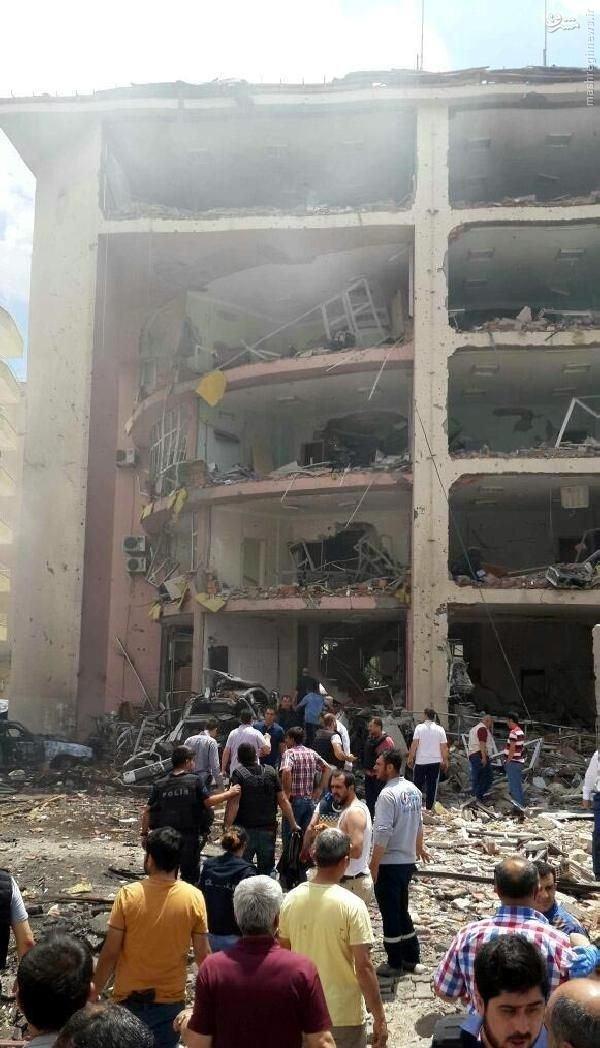 انهدام مرکز پلیس ترکیه توسط پ.ک.ک+عکس