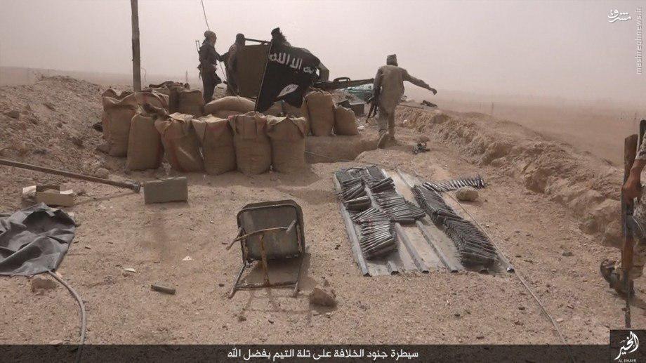سیطره داعش بر پاسگاه ارتش سوریه در دیرالزور+عکس