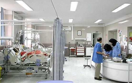 بیمارستانهایی که بیماران را با رنگ کردن راضی میکنند/ جزییاتی از پرداخت «حق آرایش» به پرستاران زن