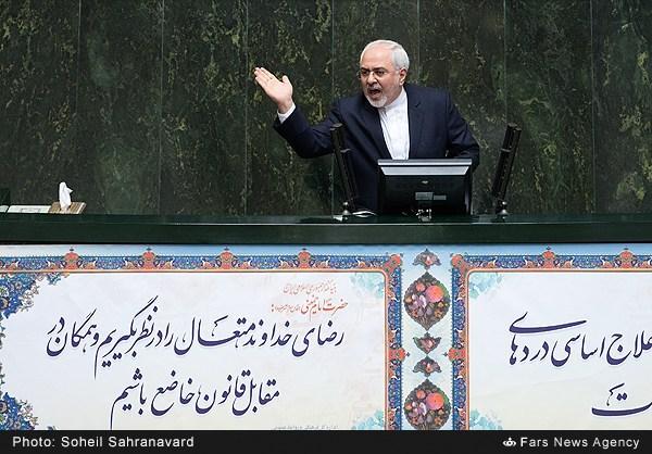 آقای ظریف از رؤیاهای آبرفته برجام چه خبر؟/ دوستان داخلی که میگویند تحریمها هنوز وجود دارد را بشناسیم