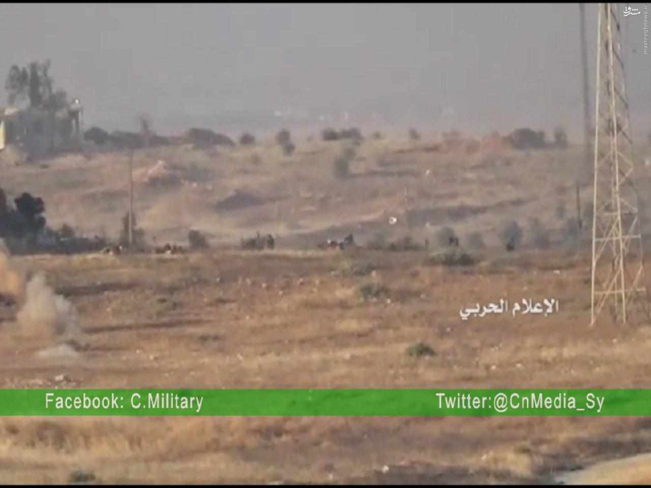 فرار تروریستهای جیش الفتح از نبرد با مدافعان حرم+عکس