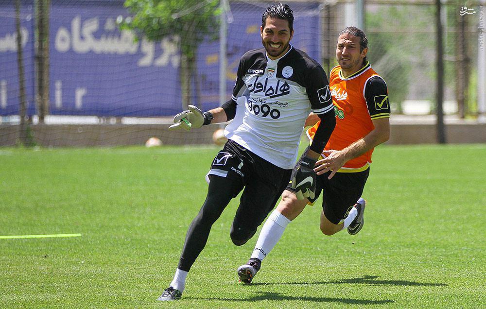 عکس/ شوخی آندو و حقیقی در تمرین تیم ملی
