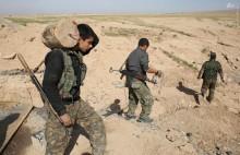 عکس/ خنثی کردن بمبهای داعشی