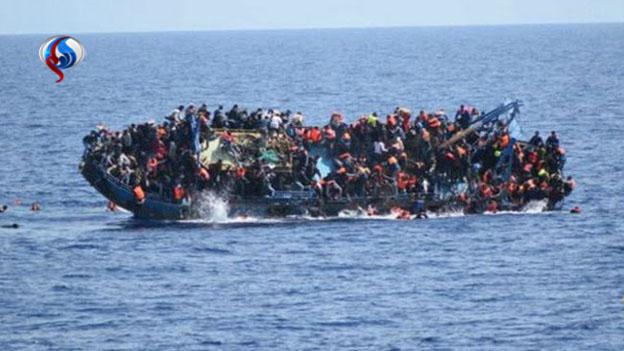 تصاویر واژگونی شناور مهاجران در دریای مدیترانه