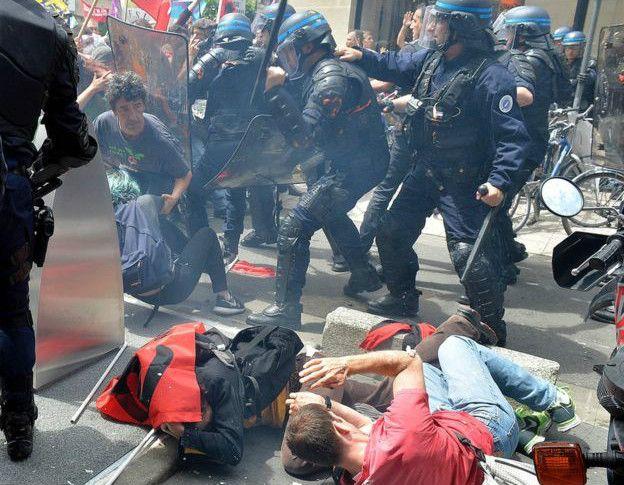 اعتصاب های کارگری فرانسه را فلج کرد+عکس