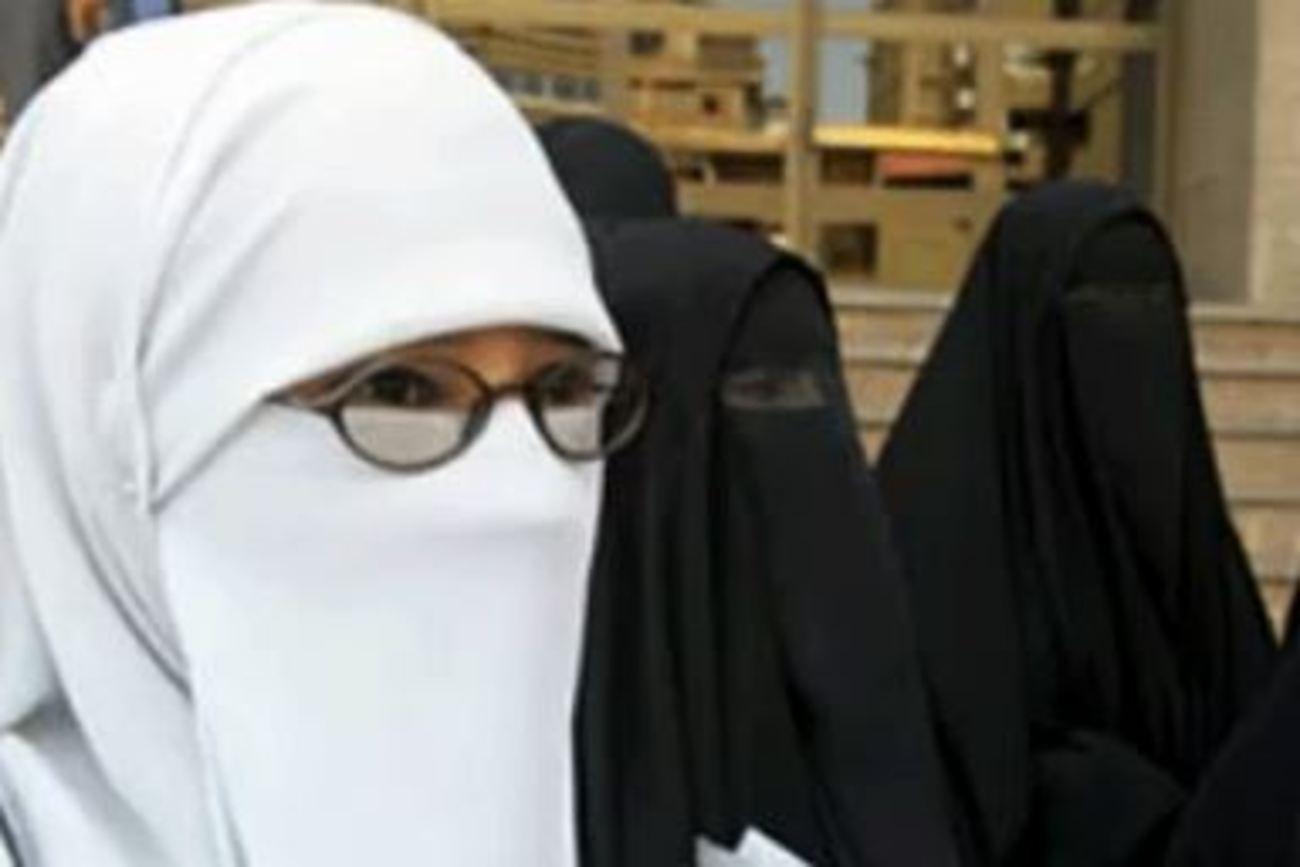 زن مجرد زن شوهردار زن داعش جنایات داعش اخبار داعش
