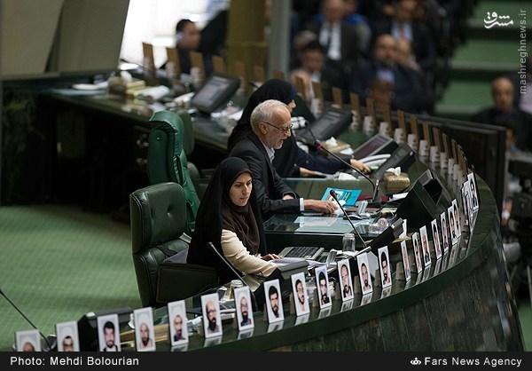 روحانی: امسال به تورم تکرقمی و رشد پنج درصدی میرسیم/ نمایندگانمجلس به مرقد امام(ره) رفتند+ عکس