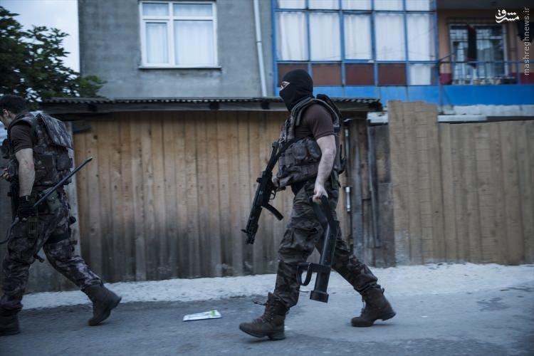 حمله نیروهای امنیتی ترکیه به محلات استانبول+عکس