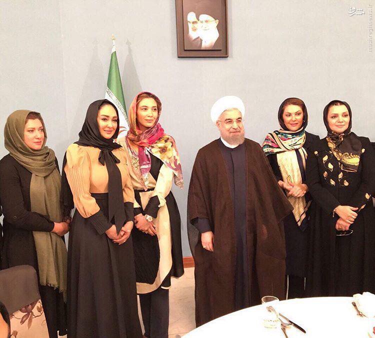 عکس یادگاری بازیگران زن با رئیس جمهور
