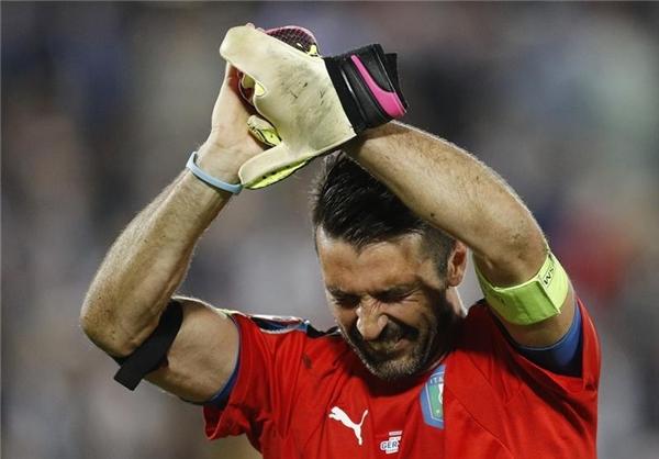 بوفون پس از حذف ایتالیا چه گفت؟