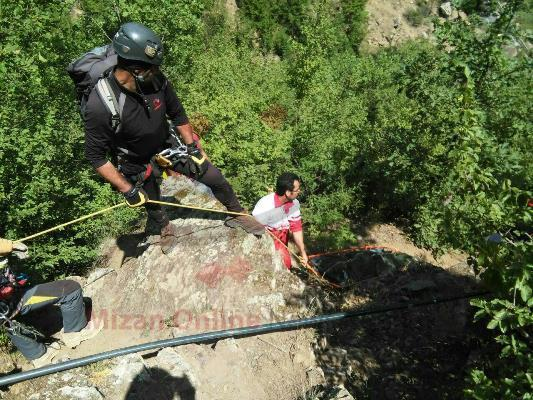 مرگ زن جوان پایان دره نوردی در جاده چالوس +عکی