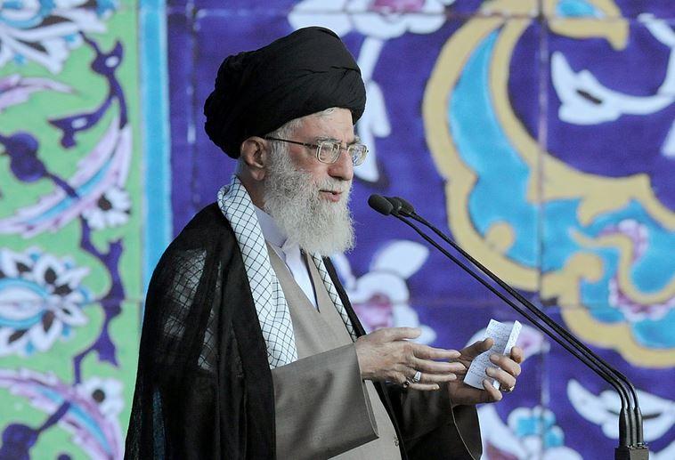 تروریستها میخواهند اسلام جعلی را جایگزین اسلام واقعی کنند/حقوقهای غیرمنصفانه از بیتالمال گناه و خیانت است