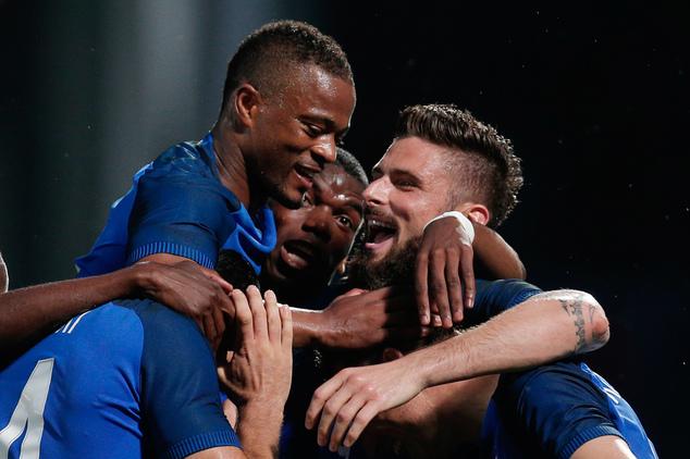 تبدیل دایناسور فرانسه به قهرمان شماره یک دشان