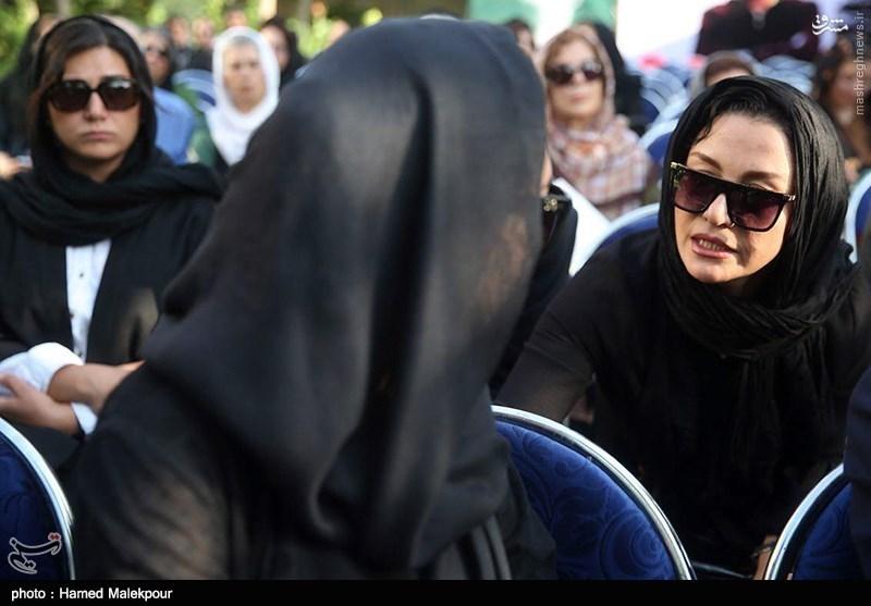 عکس/ مریلا زارعی در تشییع مرحوم کیارستمی