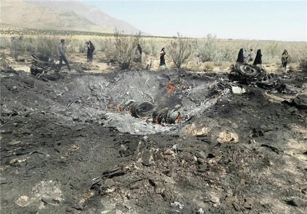 سقوط یک سوخو 24 در حوالی شیراز  عکس
