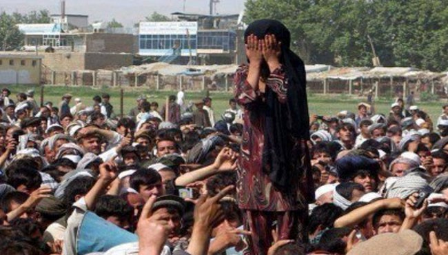 داعش ۳ هزار زن و دختر را به مزایده گذاشت!