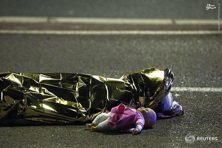 حمله تروریستی به جشن ملی در «نیس» فرانسه/ آمارها از حداقل 84 کشته و 130 زخمی حکایت دارد +تصاویر و فیلم