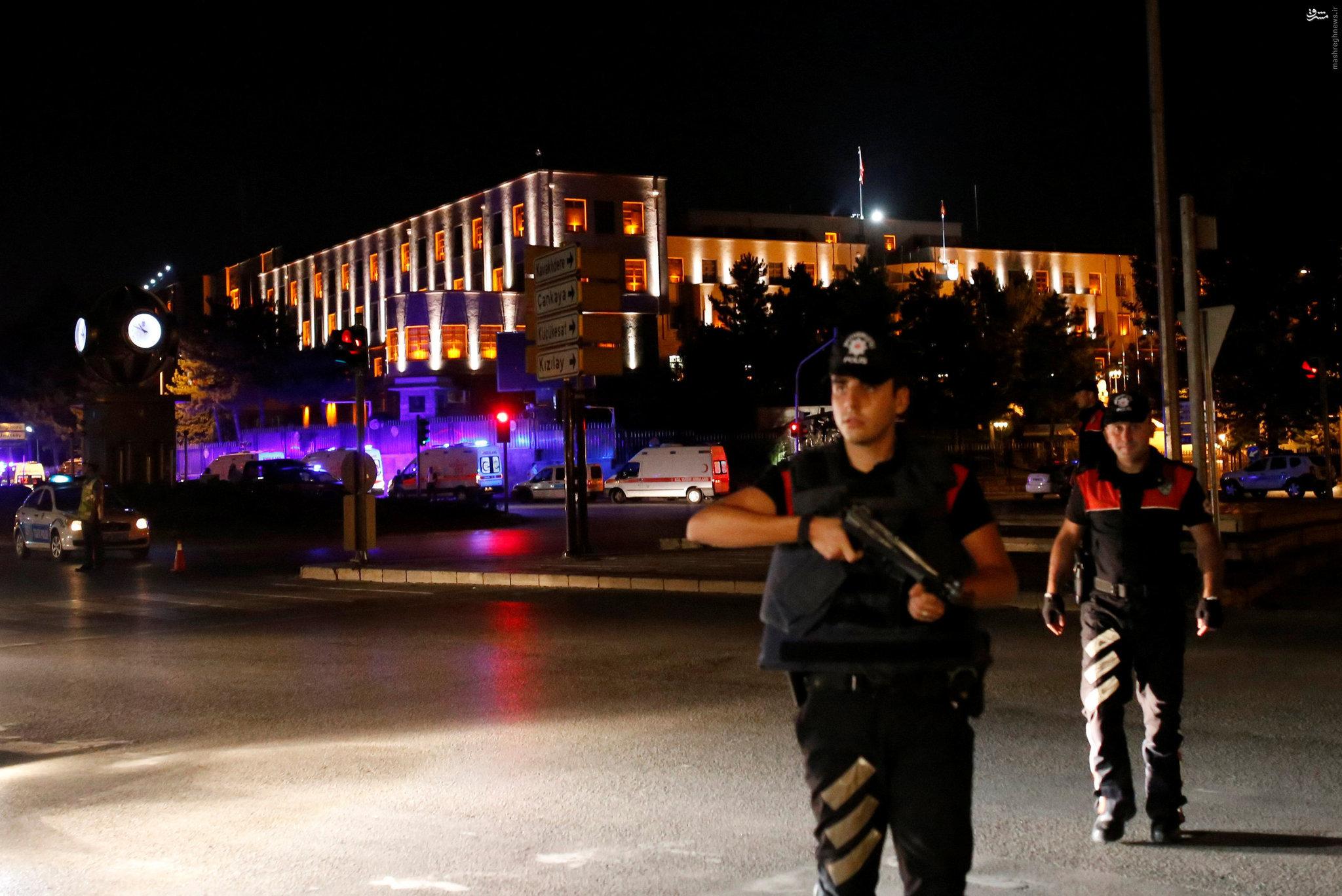 كودتا در تركيه/ تانك ها و هليكوپترهاي نظامي در پايتخت تركيه +عکس